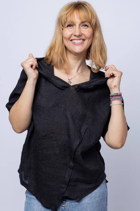 Bluza neagra asimetrica din in, cu gluga [0]