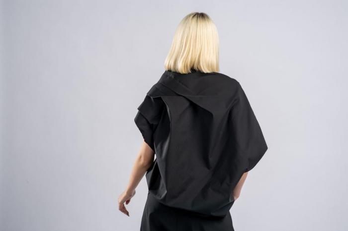 Bluza neagra asimetrica, extravaganta [2]