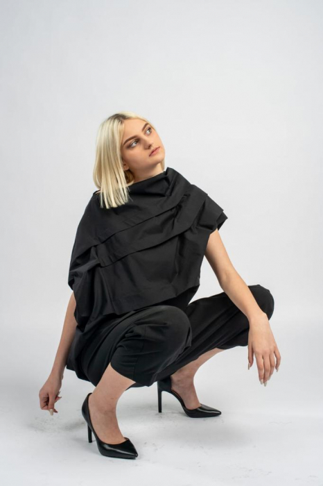 Bluza neagra asimetrica, extravaganta [3]