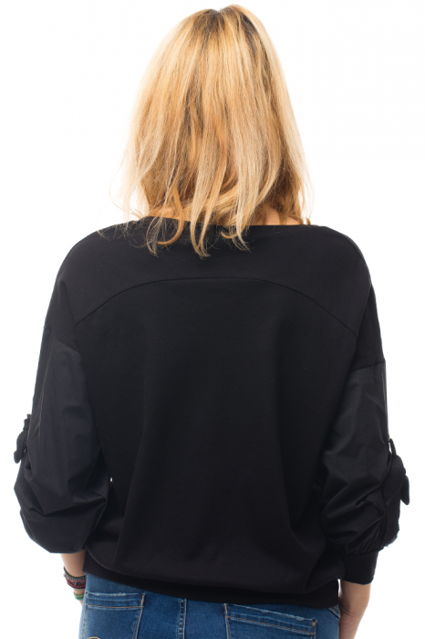 Bluza neagra din tricot cu model pisica si broderie aplicate [5]