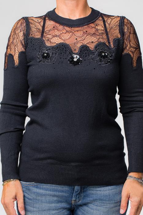 Bluza neagra eleganta cu insertii de dantela si flori pe piept 0