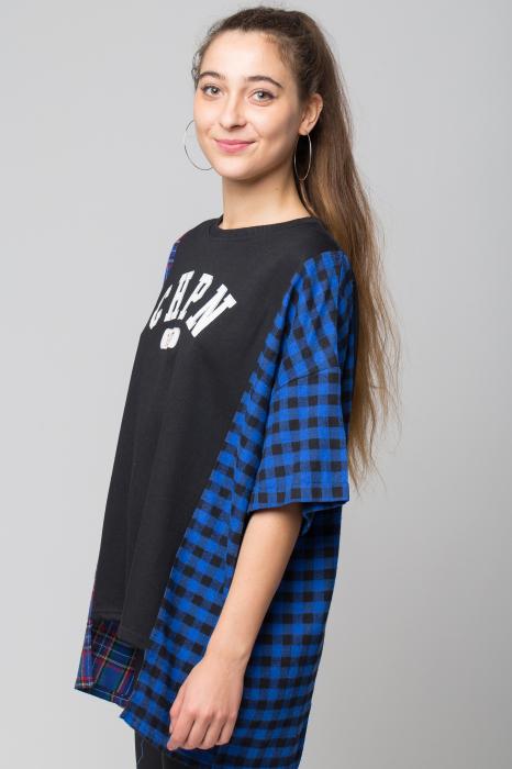 Bluza oversize neagra cu ecosez albastru [1]