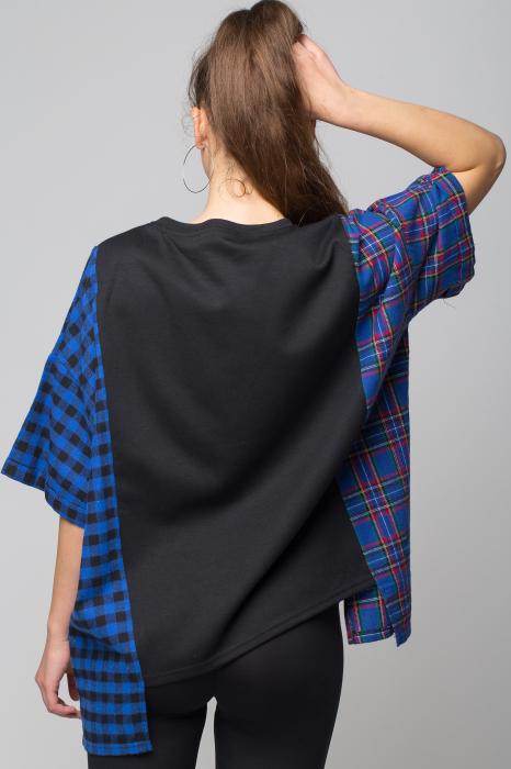 Bluza oversize neagra cu ecosez albastru [2]
