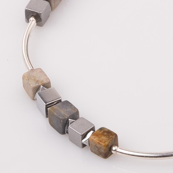 Bratara argint cu tuburi si serii de 5 cubulete jaspuri si hematit [1]