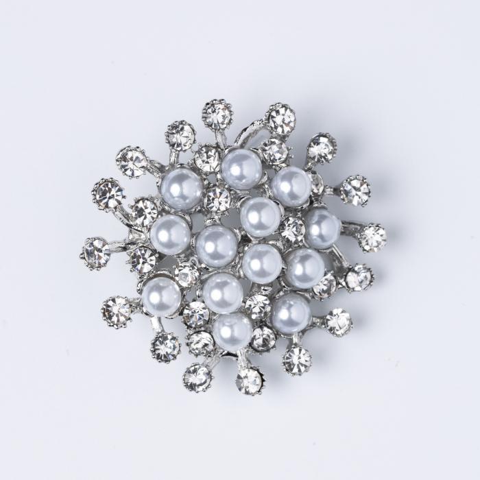 Brosa metalica argintie cu perle sintetice si pietricele argintii [0]