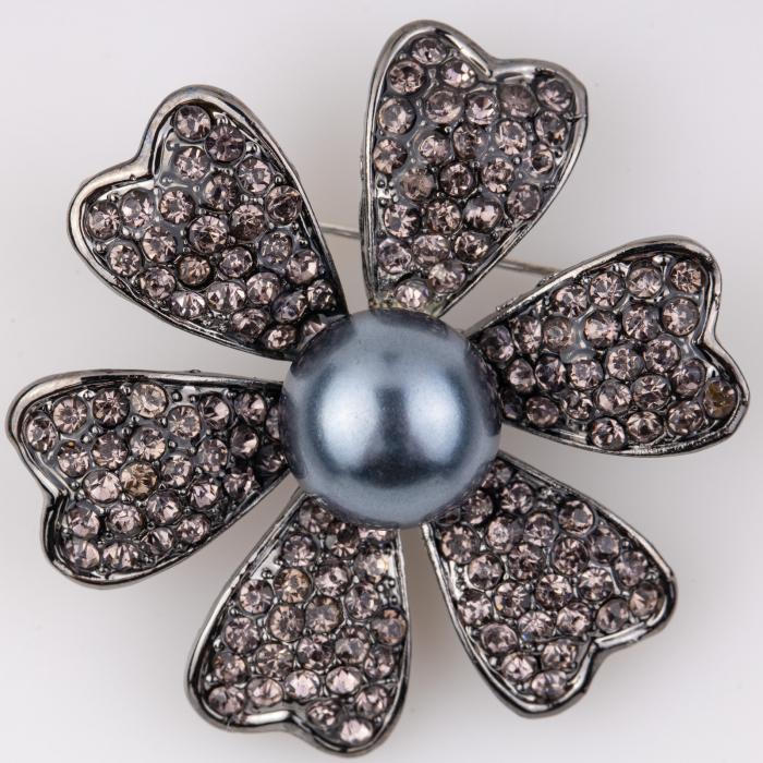 Brosa metalica floare cu o perla sintetica centrala [0]
