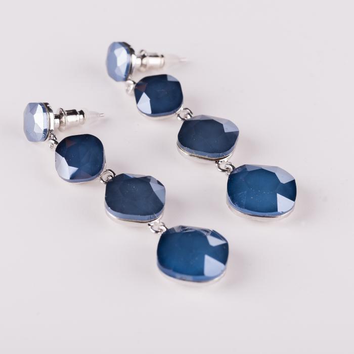 Cercei lungi metalici argintii cu 4 monturi de sticla albastra fatetata 0