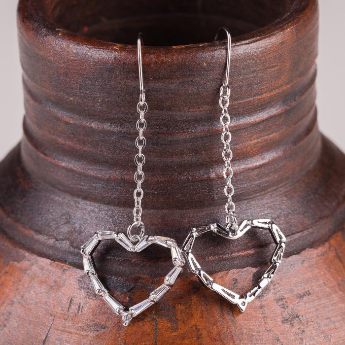 Cercei metalici argintii cu lant si inimioara [0]