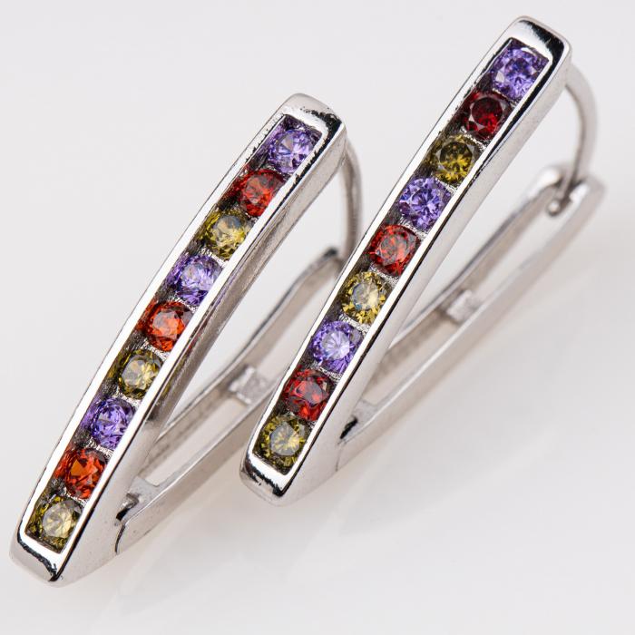 Cercei metalici argintii cu pietre colorate 0