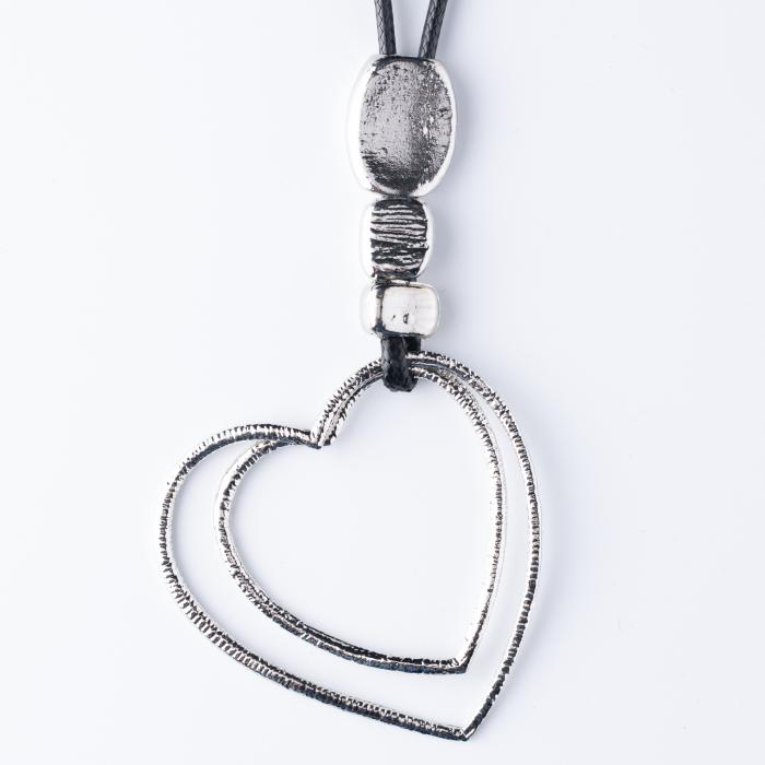Colier argintiu cu pandantiv  pietre si doua inimi 0