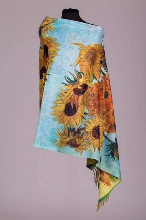 """Esarfa dreptunghiulara din cashmere cu o fata imprimata cu reproducerea dupa pictura """"Floarea Soarelui"""" a celebrului Van Gogh [0]"""