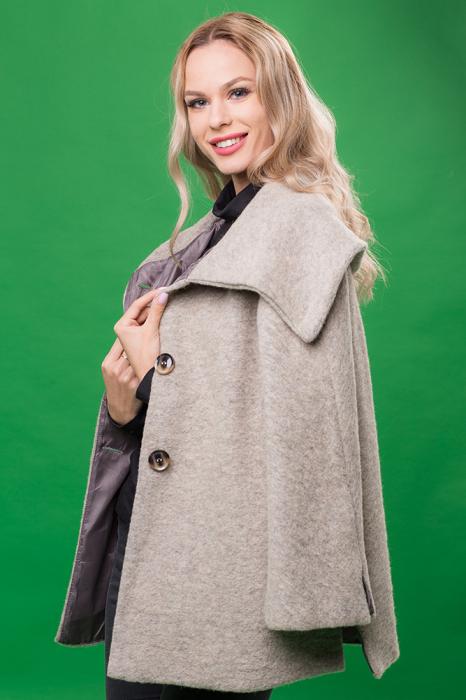 Haina gri deschis scurta lana cu guler inalt 1
