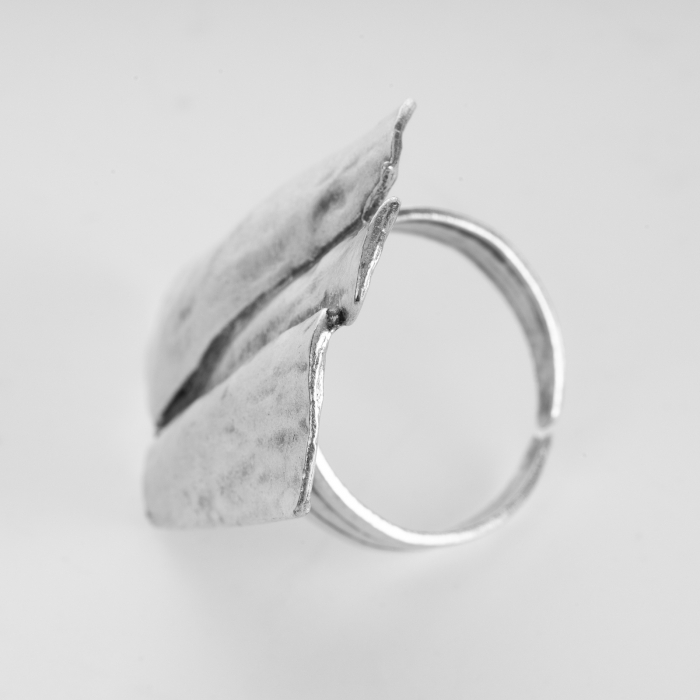 Inel reglabil din zamac cu forma rectangulara neregulata [1]