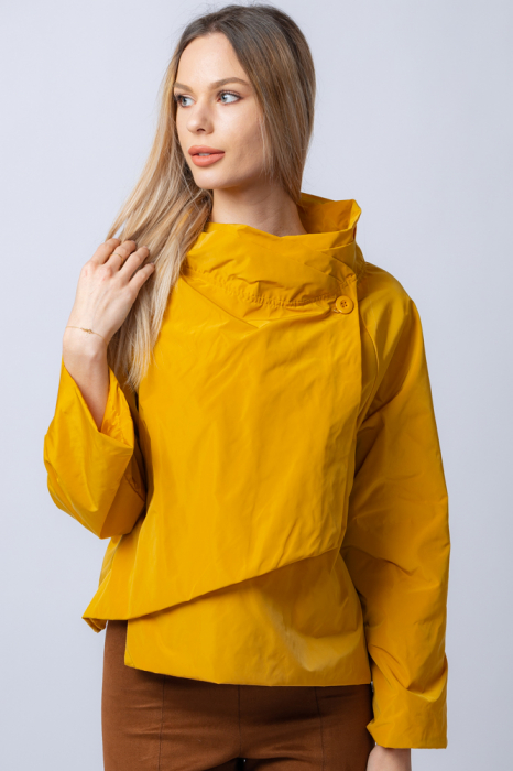 Jacheta scurta din tafta mustar petrecuta in fata [0]