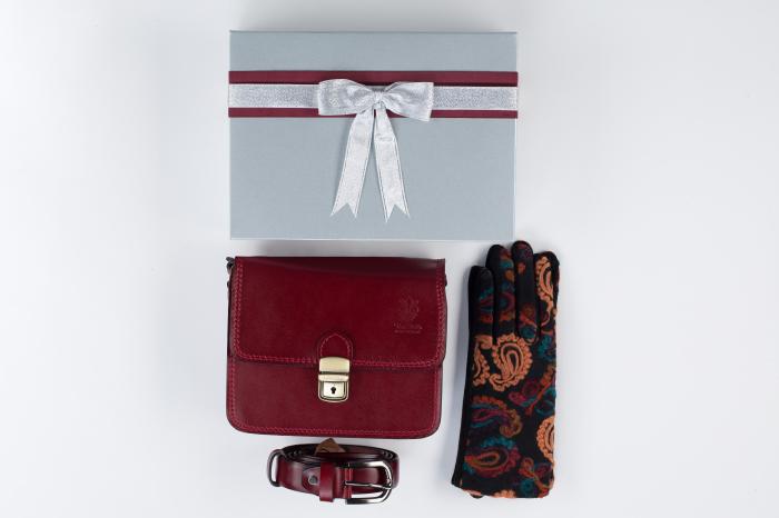 Pachet cadou geanta si curea din piele naturala, manusi -1 0