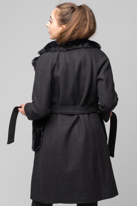 Palton negru din stofa cu buzunare din blana artificiala 2