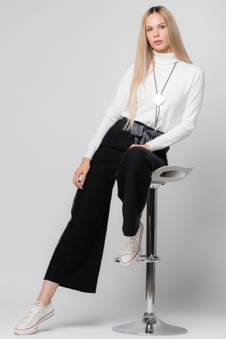 Pantaloni largi cu vipusca argintie 0
