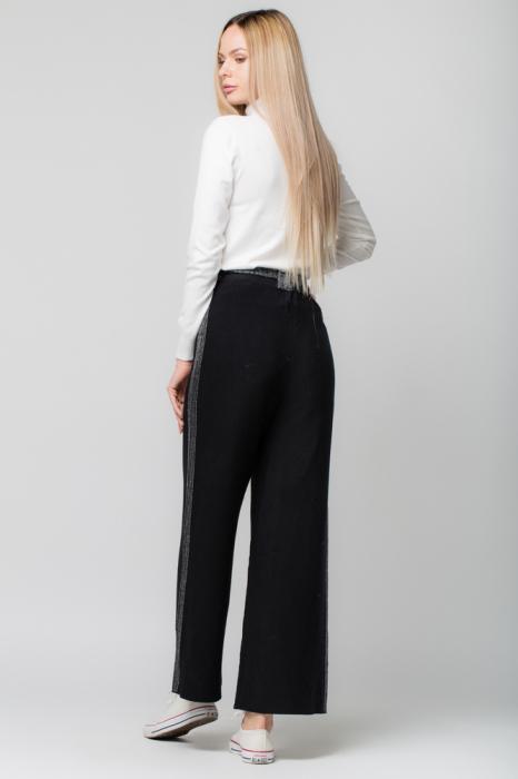 Pantaloni largi cu vipusca argintie 2