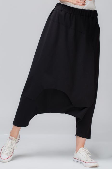 Pantaloni negri cu tur lasat 1