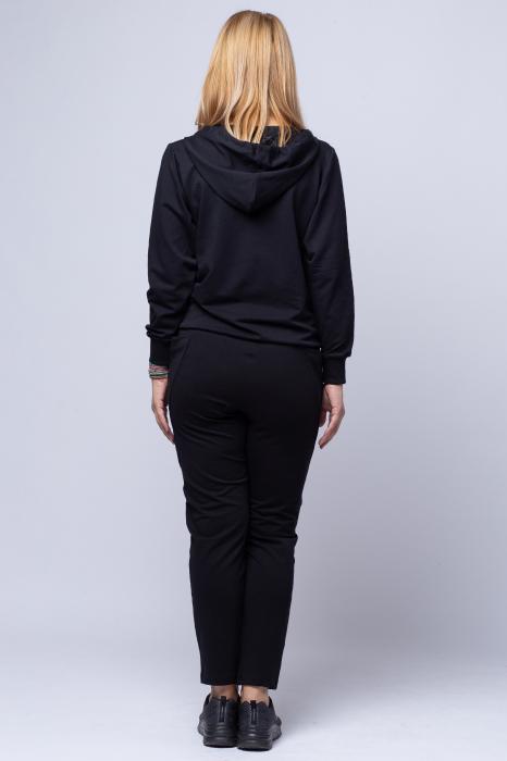 Pantaloni negri sport din vascoza cu buzunare laterale [3]