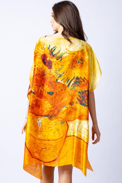 """Poncho din matase cu stilizare """"Floarea Soarelui"""" pe fond galben 3"""