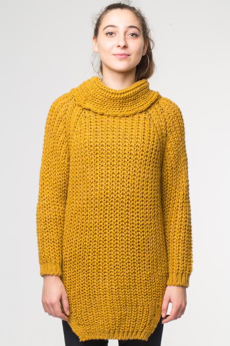 Pulover galben tricotat cu guler inalt [0]