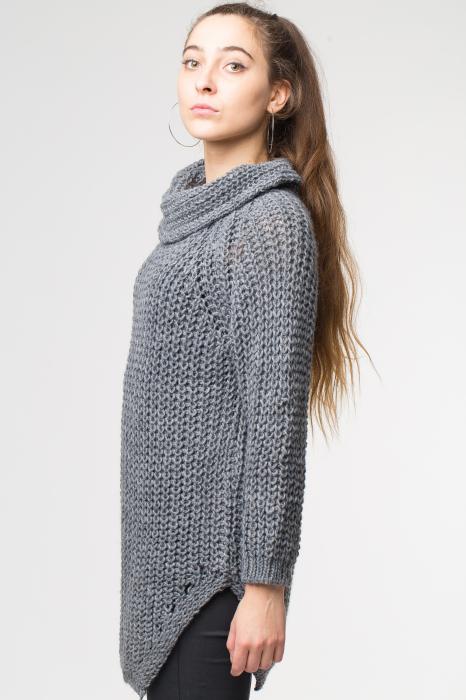 Pulover gri tricotat cu guler inalt [1]