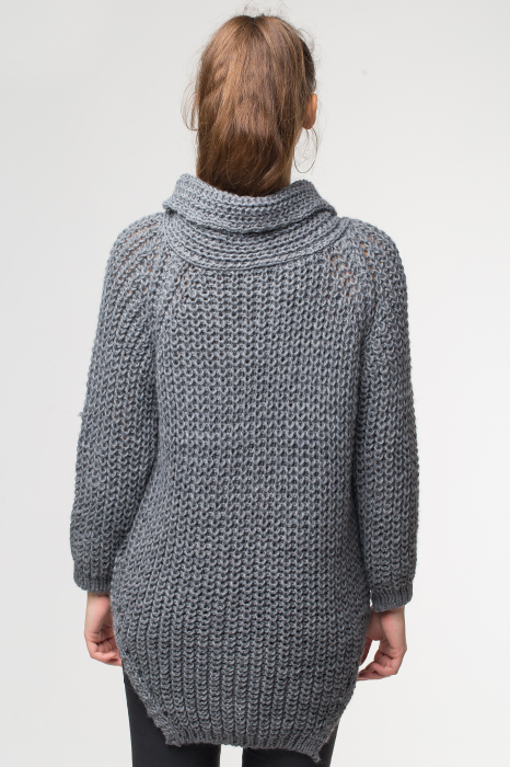 Pulover gri tricotat cu guler inalt [2]