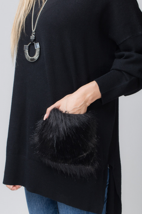 Pulover negru cu buzunar din blana artificiala 2