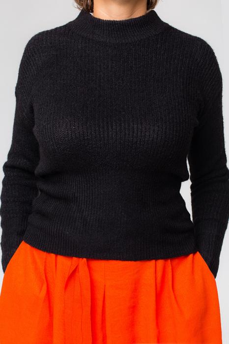 Pulover negru fashion cu doua funde pe spate 0