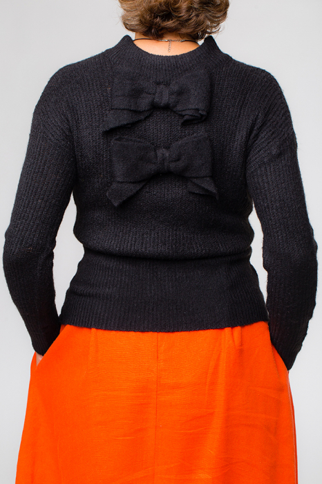 Pulover negru fashion cu doua funde pe spate 1