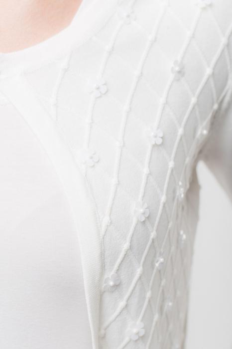 Pulover subtire alb cu paiete 1
