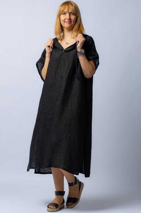 Rochie neagra cu gluga, din in [1]