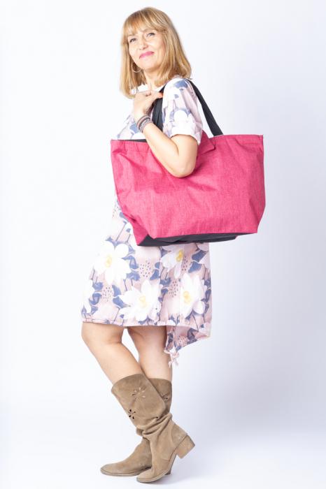 Rochie cu flori de nufar picturale, asimetrica, pe fond roz prafuit [1]