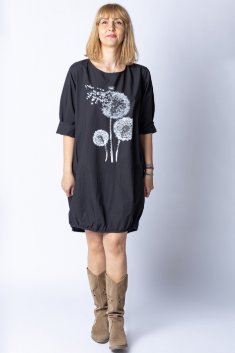 Rochie cu papadii stilizate si strasuri, asimetrica, pe fond negru [3]