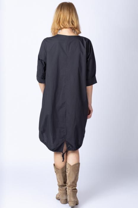 Rochie cu papadii stilizate si strasuri, asimetrica, pe fond negru [5]