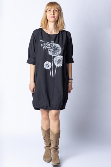 Rochie cu papadii stilizate si strasuri, asimetrica, pe fond negru [0]
