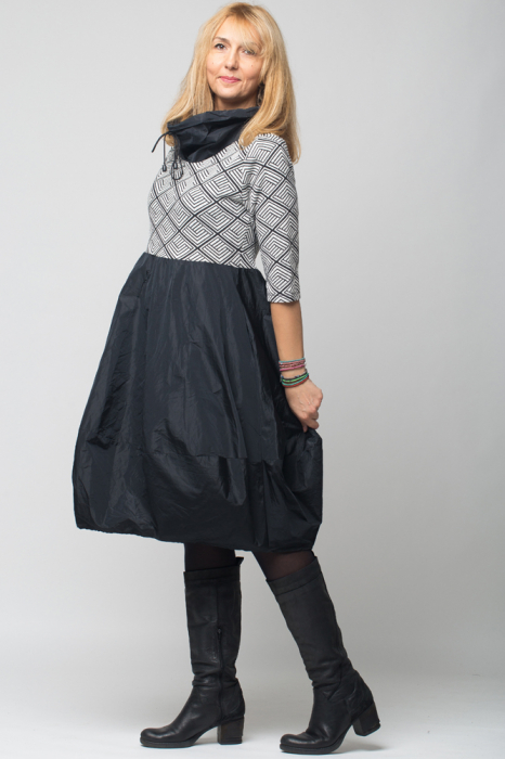 Rochie gogosar model geometric alb/negru  din stofa si tafta, taiata in talie [1]