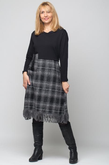Rochie gri-negru din lana ecozez cu franjuri si paiete [0]