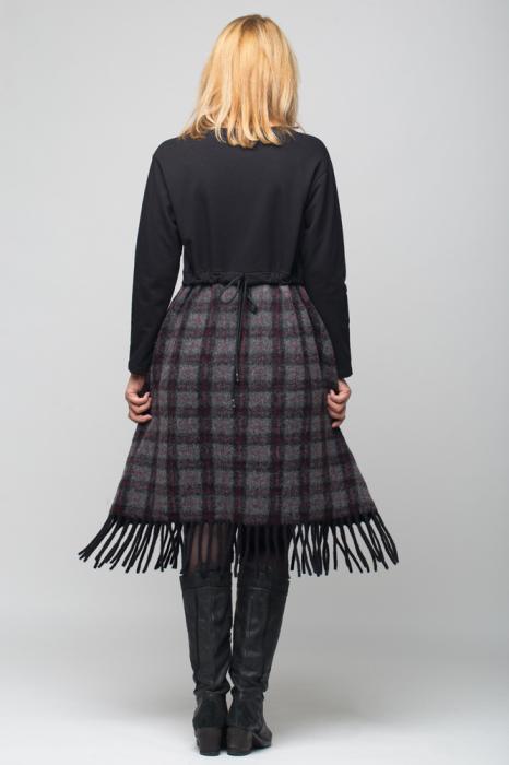 Rochie negru-gri inchis din lana ecozez cu franjuri si paiete [5]