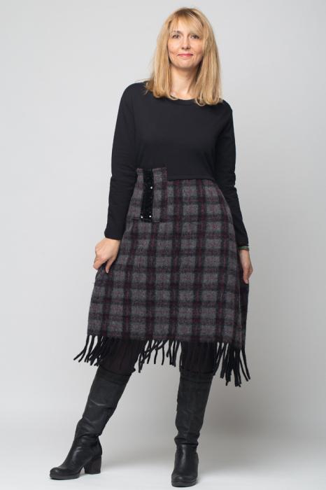 Rochie negru-gri inchis din lana ecozez cu franjuri si paiete [3]