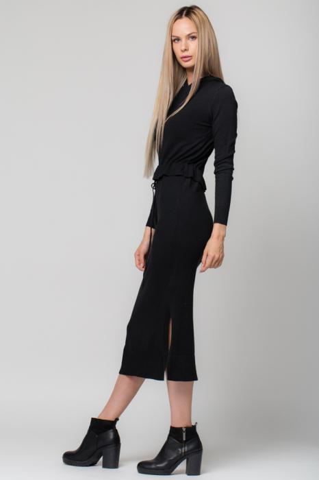 Rochie neagra lunga tricotata cu gluga si snur in talie 1