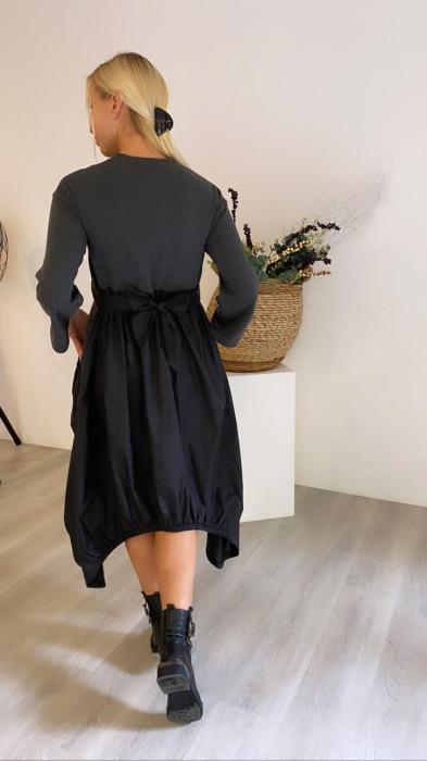 Rochie midi din tafta neagra si tricot gri, in colturi 3