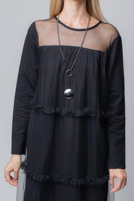 Rochie neagra cu aplicatie din tul 2