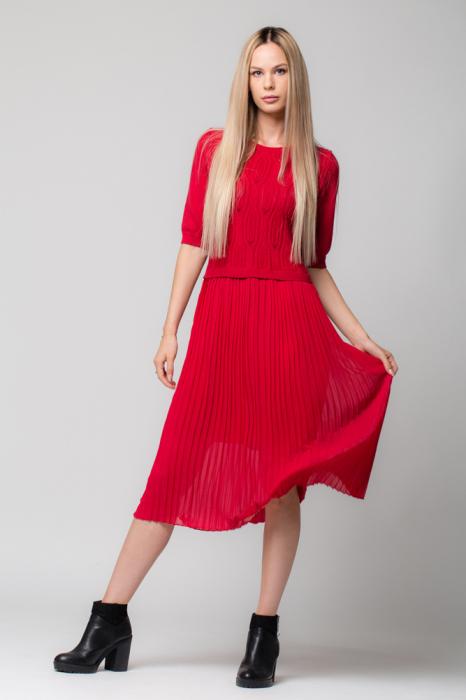 Rochie rosie din jerse si voal plisat [0]