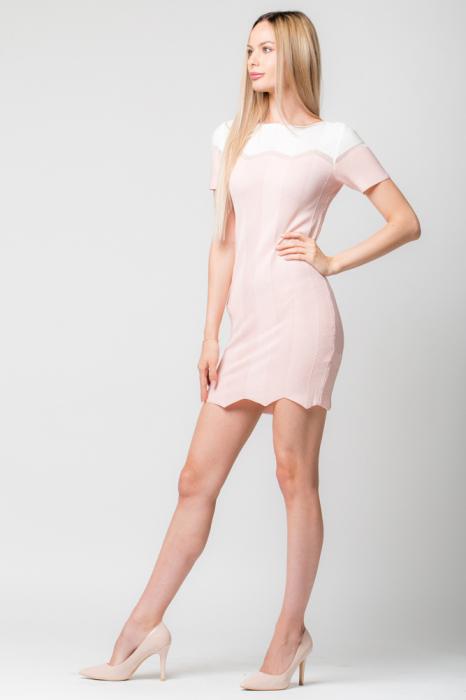 Rochie roz  tricotata pe corp cu maneci scurte 0