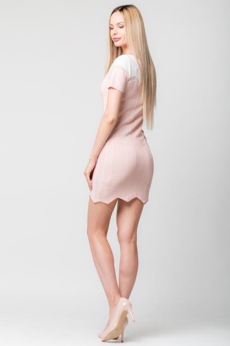Rochie roz  tricotata pe corp cu maneci scurte 2