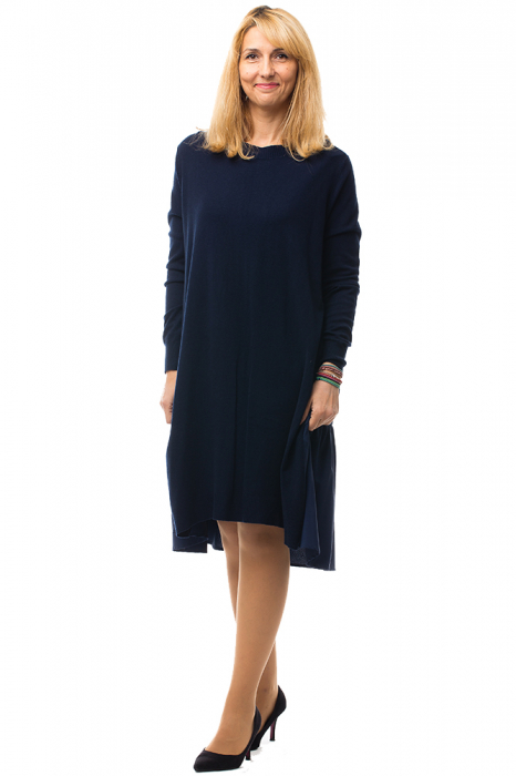 Rochie tricotata bleumarin oversize din doua materiale 0