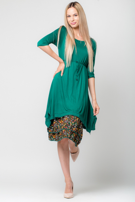 Rochie verde din jerse cu volan din bumbac imprimat 0