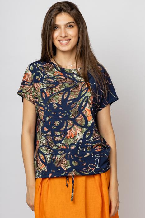 Tricou bleumarin cu imprimeu floral si snur la poale, din vascoza [0]